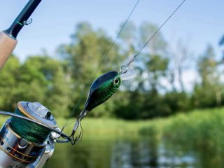 How to Tie a Fishing Hook Without Hole